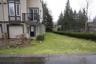 Photo 2: 1 32501 FRASER Crescent in Mission: Mission BC Townhouse for sale : MLS®# R2155860