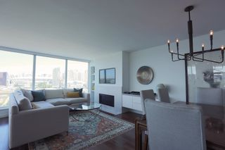 """Photo 2: 1405 120 MILROSS Avenue in Vancouver: Downtown VE Condo for sale in """"THE BRIGHTON BY BOSA"""" (Vancouver East)  : MLS®# R2617485"""