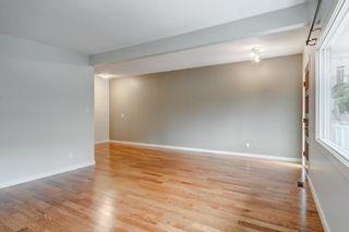 Photo 6: 3811 43 Street SW in Calgary: Glenbrook Semi Detached for sale : MLS®# C4267535