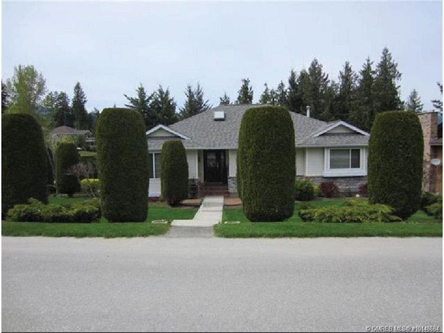 Main Photo: 2915 Canada Way in Sorrento: Cedar Heights House for sale : MLS®# 10148684