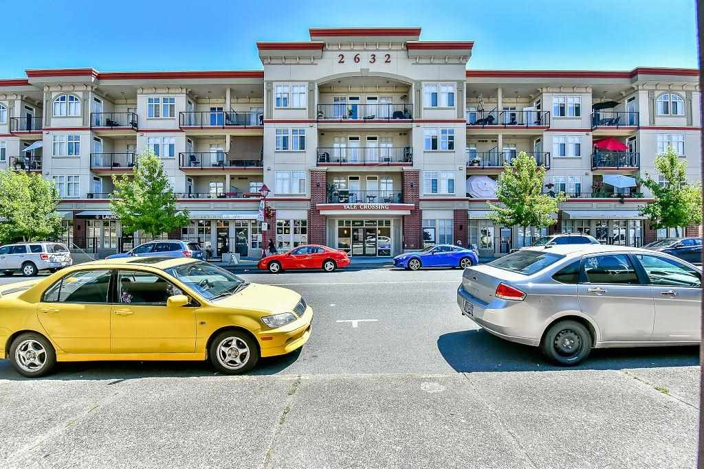 """Main Photo: 414 2632 PAULINE Street in Abbotsford: Central Abbotsford Condo for sale in """"Yale Corssing"""" : MLS®# R2095273"""