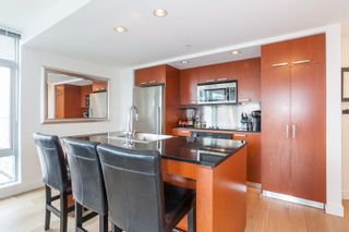 "Photo 3: 2605 1255 SEYMOUR Street in Vancouver: Downtown VW Condo for sale in ""Elan"" (Vancouver West)  : MLS®# R2216432"