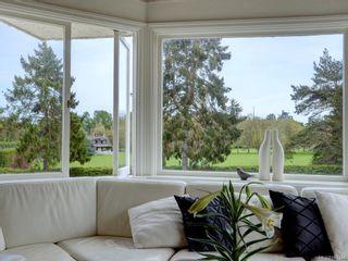 Photo 5: 10 900 Park Blvd in Victoria: Vi Fairfield West Condo for sale : MLS®# 867164