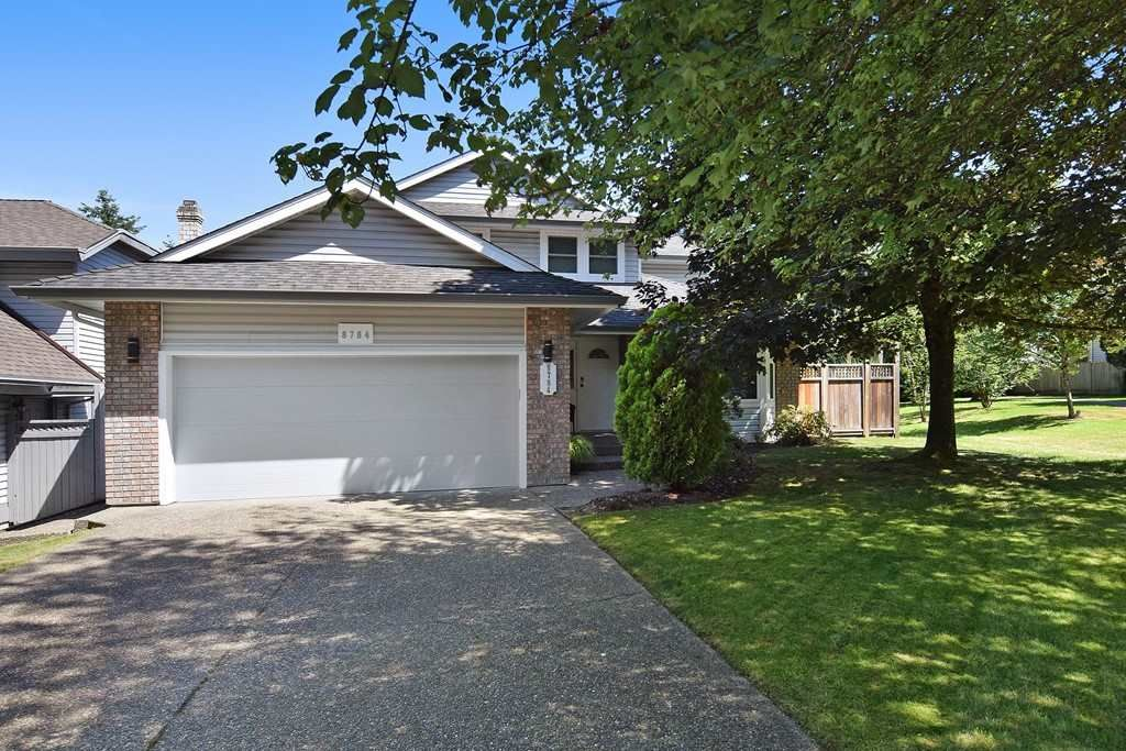 "Main Photo: 8784 212 Street in Langley: Walnut Grove House for sale in ""Forest Hills"" : MLS®# R2185000"