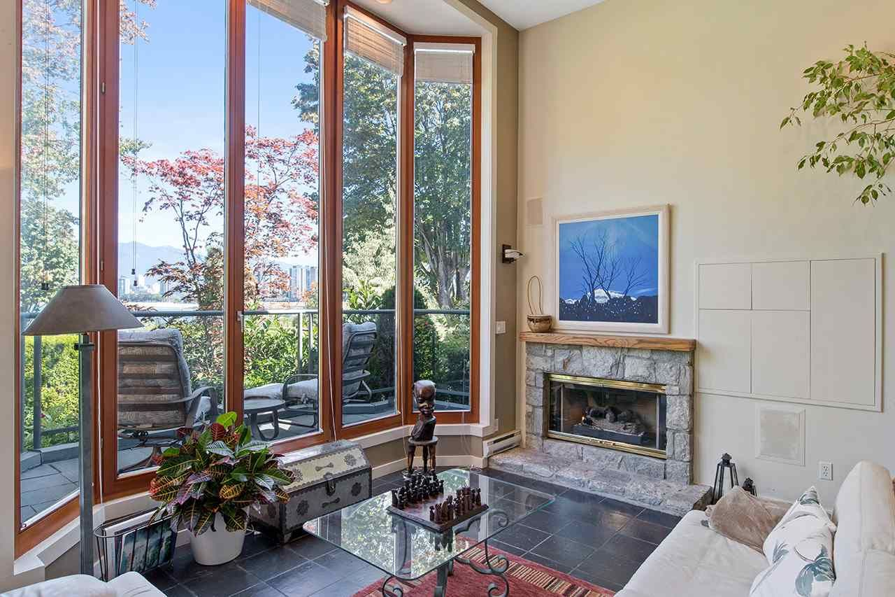 Photo 5: Photos: 1988 OGDEN AVENUE in Vancouver: Kitsilano Townhouse for sale (Vancouver West)  : MLS®# R2485009