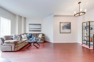 Photo 6: 249 23 Observatory Lane in Richmond Hill: Observatory Condo for sale : MLS®# N4886602