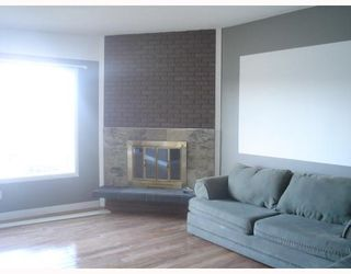 Photo 3:  in CALGARY: Forest Lawn Residential Attached for sale (Calgary)  : MLS®# C3275557