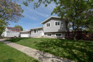 Photo 3: 51 ALPINE Boulevard: St. Albert House for sale : MLS®# E4247886
