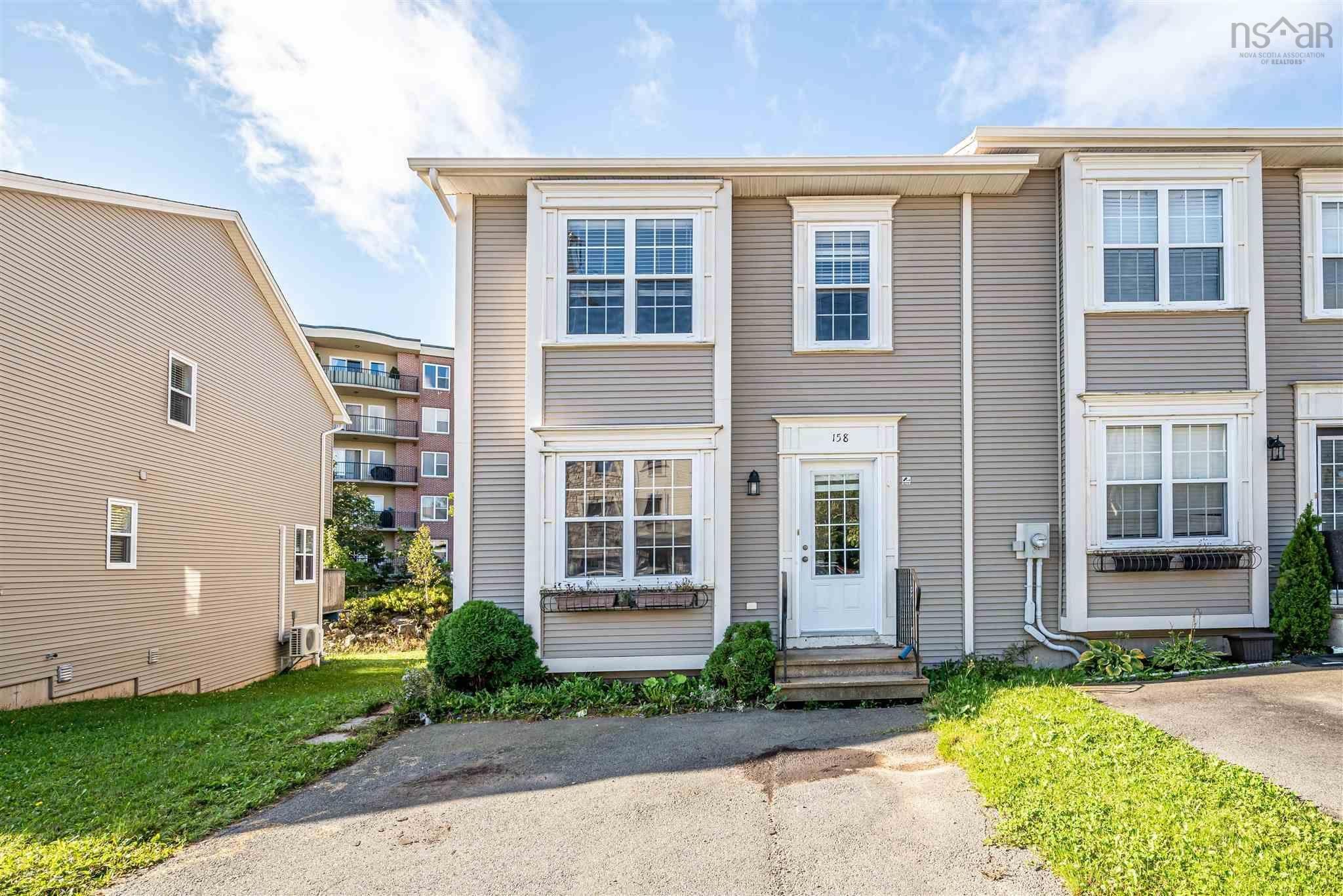 Main Photo: 158 Transom Drive in Halifax: 5-Fairmount, Clayton Park, Rockingham Residential for sale (Halifax-Dartmouth)  : MLS®# 202125638