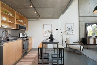 """Photo 11: 508 1540 W 2ND Avenue in Vancouver: False Creek Condo for sale in """"WATERFALL"""" (Vancouver West)  : MLS®# R2594378"""