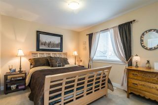 """Photo 15: 23029 JENNY LEWIS Avenue in Langley: Fort Langley House for sale in """"BEDFORD LANDING"""" : MLS®# R2359056"""