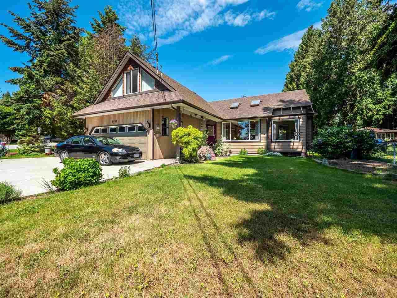Main Photo: 5400 DERBY Road in Sechelt: Sechelt District House for sale (Sunshine Coast)  : MLS®# R2454409