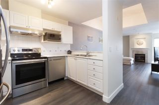 """Photo 3: 515 214 ELEVENTH Street in New Westminster: Uptown NW Condo for sale in """"Discovery Reach"""" : MLS®# R2254696"""