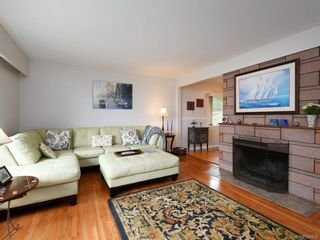 Photo 2: 761 Genevieve Rd in : SE High Quadra House for sale (Saanich East)  : MLS®# 854970