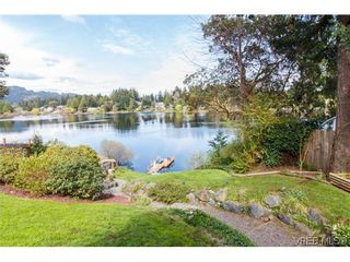 Photo 1: 948 Page Ave in VICTORIA: La Glen Lake House for sale (Langford)  : MLS®# 696682