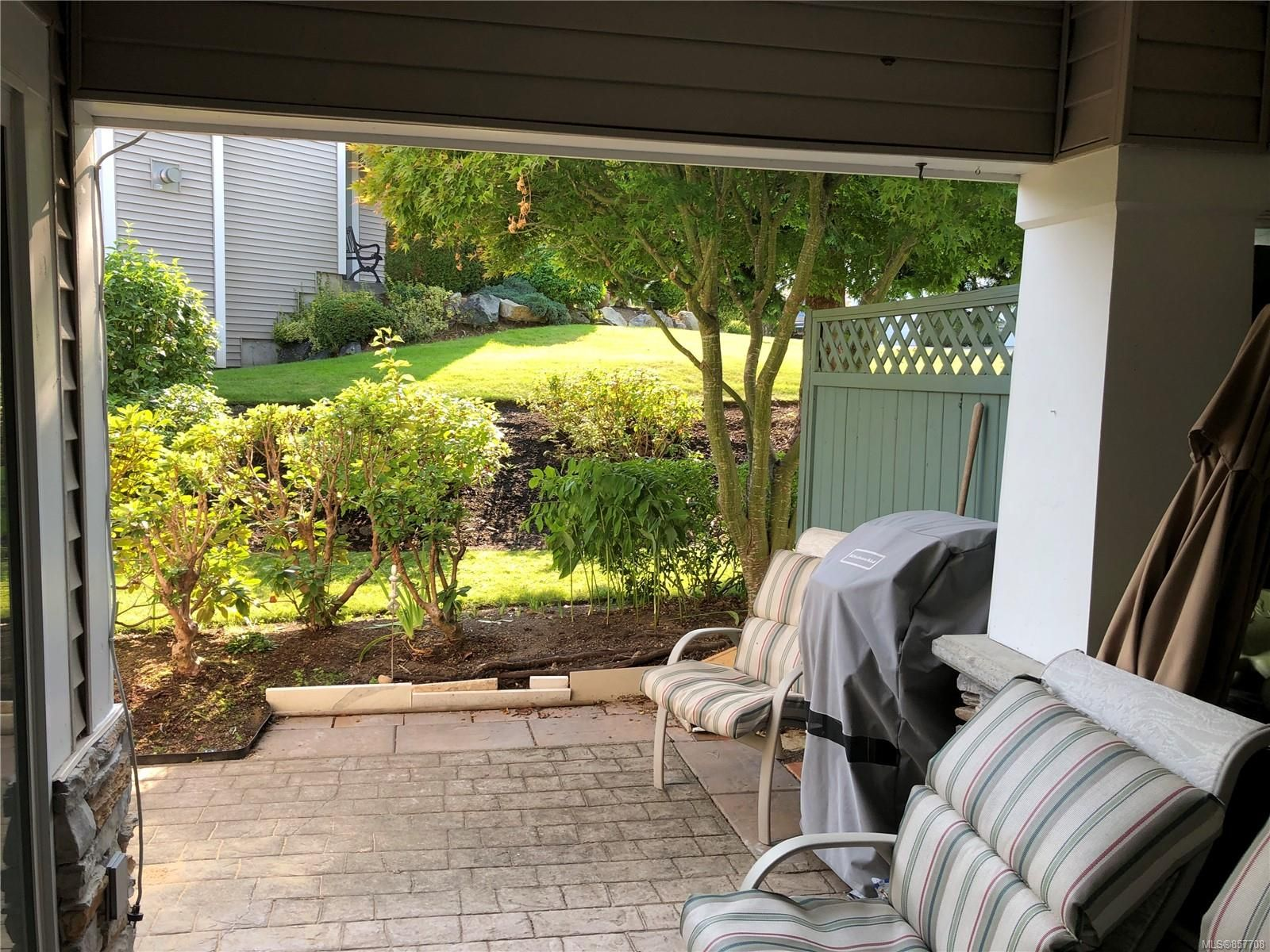 Photo 13: Photos: 6151 Bellflower Way in : Na North Nanaimo Row/Townhouse for sale (Nanaimo)  : MLS®# 857708