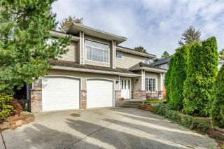 Photo 1: 35624 DINA Place in Abbotsford: Abbotsford East House for sale : MLS®# R2410757