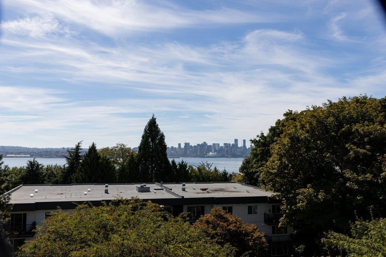 """Main Photo: 314 360 E 2ND Street in North Vancouver: Lower Lonsdale Condo for sale in """"EMERALD MANOR"""" : MLS®# R2616470"""