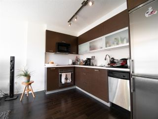 """Photo 9: 308 10777 UNIVERSITY Drive in Surrey: Whalley Condo for sale in """"City Point"""" (North Surrey)  : MLS®# R2552407"""