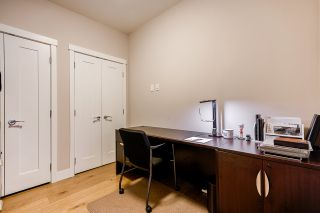 """Photo 21: 508 14855 THRIFT Avenue: White Rock Condo for sale in """"ROYCE"""" (South Surrey White Rock)  : MLS®# R2465060"""