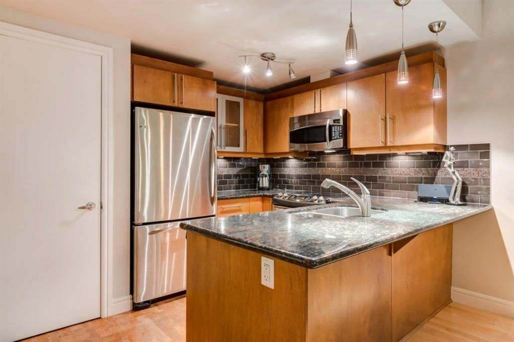 Main Photo: 206 817 15 Avenue SW in Calgary: Beltline Apartment for sale : MLS®# A1099646
