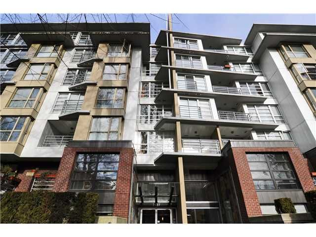 FEATURED LISTING: 605 - 2137 10TH Avenue West Vancouver