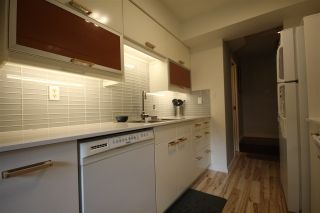 """Photo 2: 3430 NAIRN Avenue in Vancouver: Champlain Heights Townhouse for sale in """"COUNTRY LANE"""" (Vancouver East)  : MLS®# R2286737"""