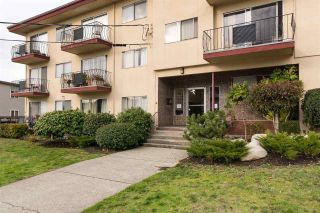 "Photo 2: 313 611 BLACKFORD Street in New Westminster: Uptown NW Condo for sale in ""MAYMONT MANOR"" : MLS®# R2222135"