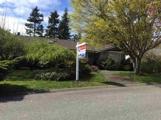 """Photo 1: 1841 128A Street in Surrey: Crescent Bch Ocean Pk. House for sale in """"OCEAN PARK"""" (South Surrey White Rock)  : MLS®# R2059471"""