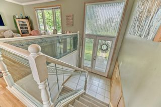 Photo 3: 703 Alderwood Place SE in Calgary: Acadia Detached for sale : MLS®# A1131581