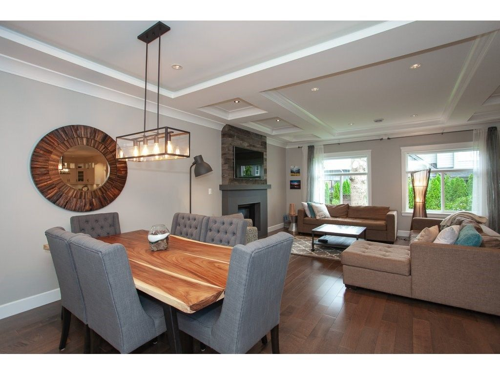 Photo 4: Photos: 1413 130 Street in Surrey: Crescent Bch Ocean Pk. House for sale (South Surrey White Rock)  : MLS®# R2311122