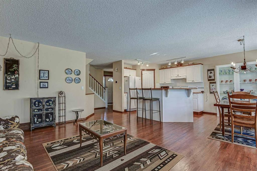 Photo 6: Photos: 127 Bridlewood Circle SW in Calgary: Bridlewood Detached for sale : MLS®# A1123607