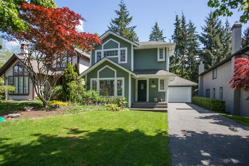 FEATURED LISTING: 880 RUCKLE Court North Vancouver
