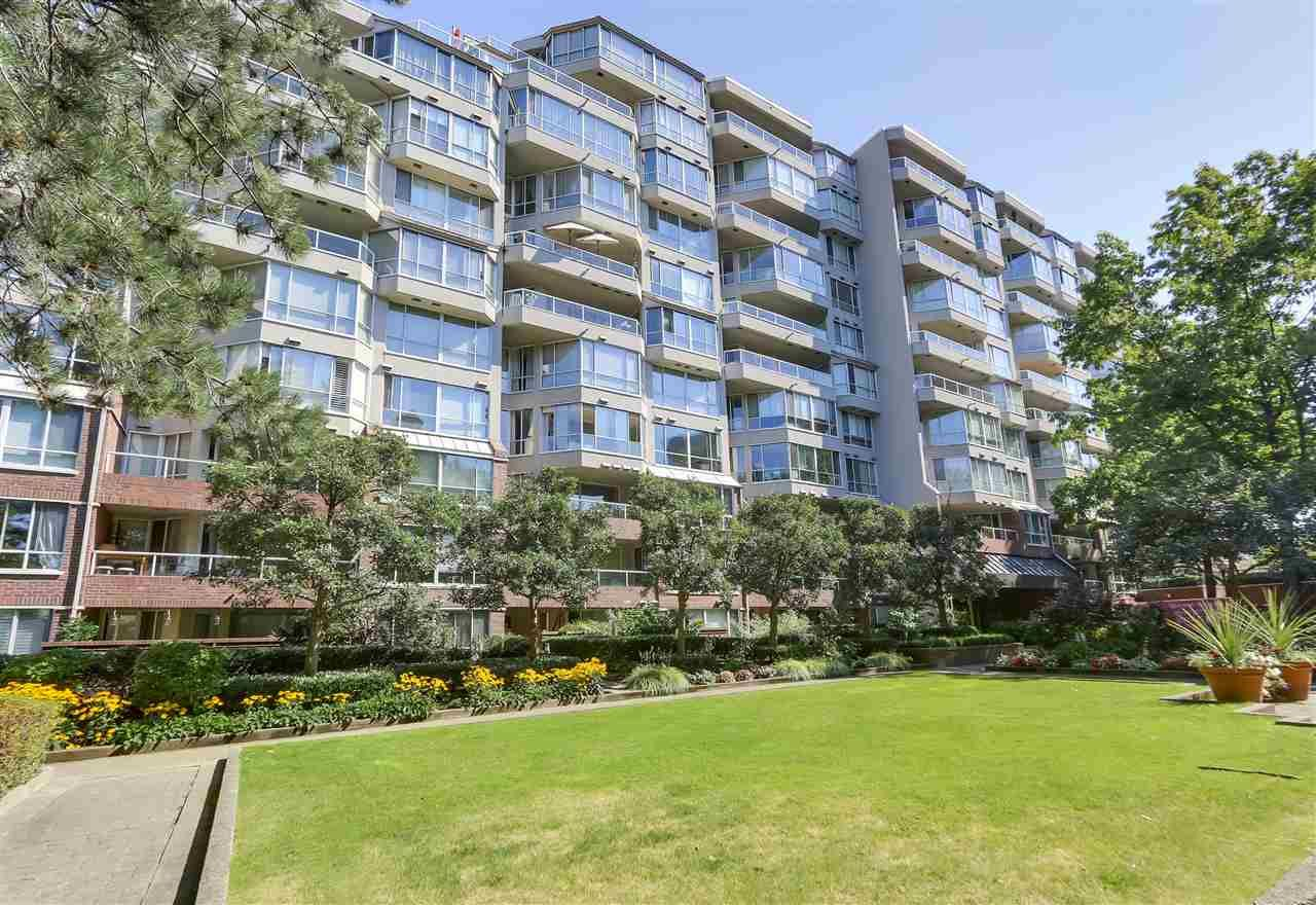 """Main Photo: 405 518 MOBERLY Road in Vancouver: False Creek Condo for sale in """"NEWPORT QUAY"""" (Vancouver West)  : MLS®# R2305828"""