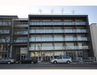 """Photo 1: 418 256 E 2ND Avenue in Vancouver: Mount Pleasant VE Condo for sale in """"JACOBSEN"""" (Vancouver East)  : MLS®# V808511"""