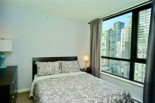 """Photo 7: 2203 977 MAINLAND Street in Vancouver: Yaletown Condo for sale in """"Yaletown Park III"""" (Vancouver West)  : MLS®# R2312985"""