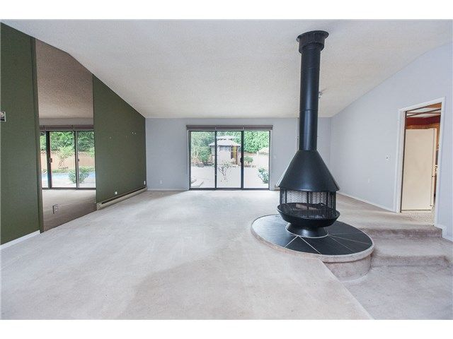 """Photo 3: Photos: 6843 UPPER CANYON Place in Delta: Sunshine Hills Woods House for sale in """"SUNSHINE HILLS"""" (N. Delta)  : MLS®# F1444415"""