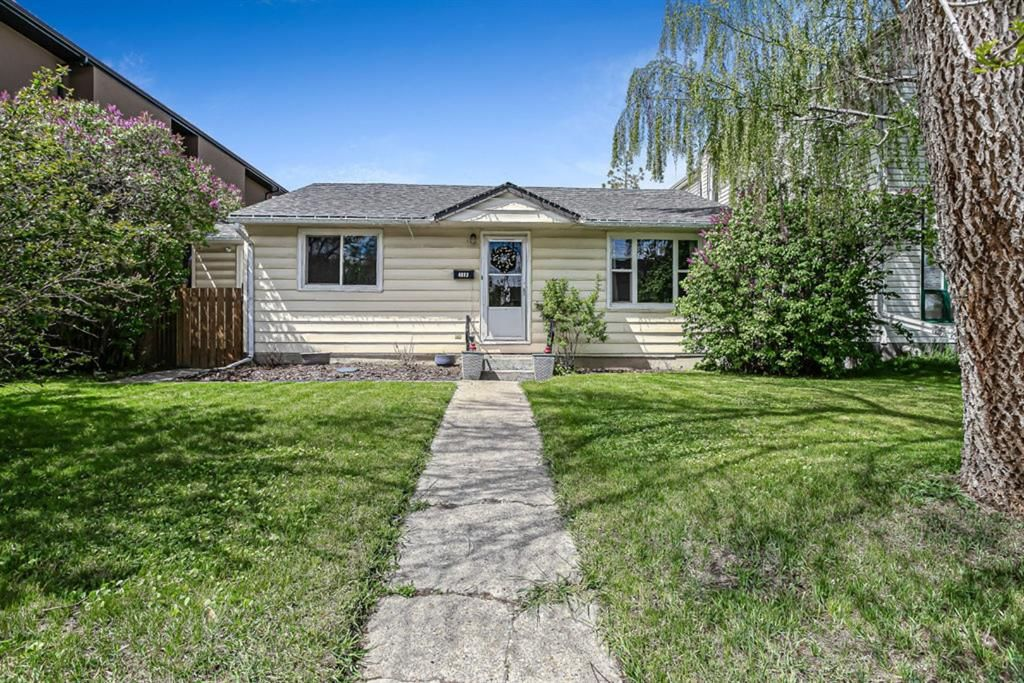 Main Photo: 4613 16 Street SW in Calgary: Altadore Detached for sale : MLS®# A1114191
