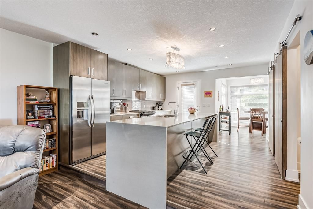 Main Photo: 1511 23 Avenue SW in Calgary: Bankview Row/Townhouse for sale : MLS®# A1149422