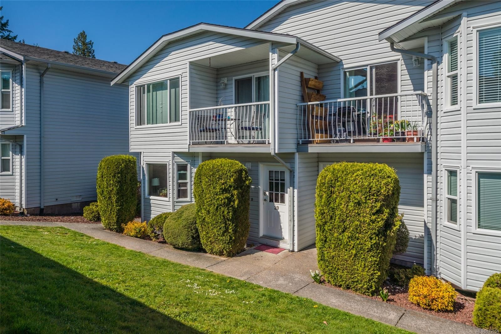 Main Photo: 29 260 Harwell Rd in : Na University District Condo for sale (Nanaimo)  : MLS®# 873154