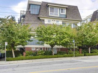 """Photo 1: 2774 ALMA Street in Vancouver: Kitsilano Townhouse for sale in """"Twenty On The Park"""" (Vancouver West)  : MLS®# R2501470"""