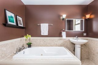Photo 10: 22043 SELKIRK Avenue in Maple Ridge: West Central House for sale : MLS®# R2262384