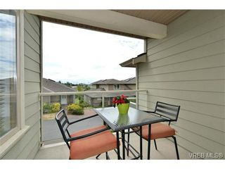 Photo 15: 24 127 Aldersmith Pl in VICTORIA: VR Glentana Row/Townhouse for sale (View Royal)  : MLS®# 738136