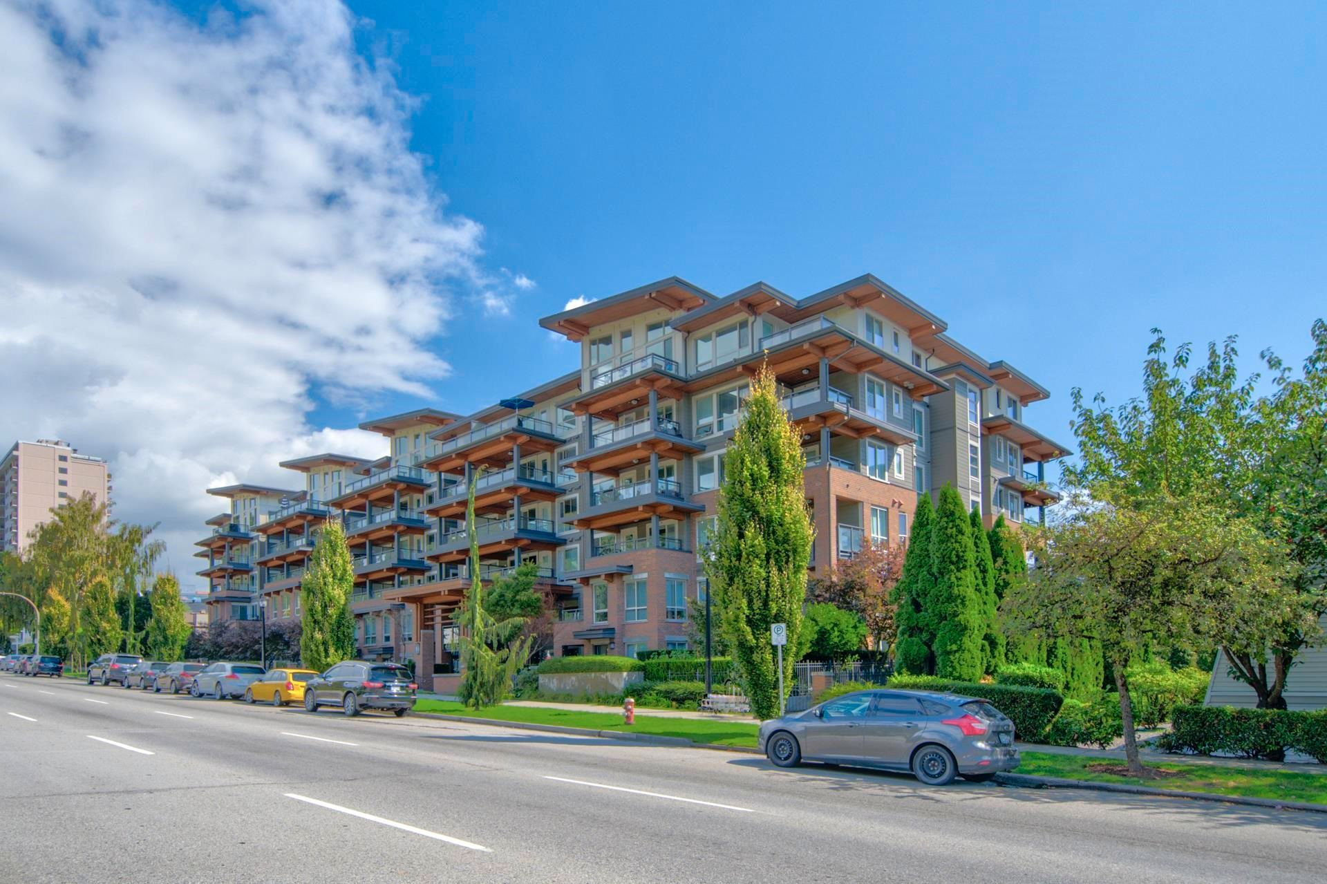 """Main Photo: 305 500 ROYAL Avenue in New Westminster: Downtown NW Condo for sale in """"Dominion"""" : MLS®# R2617235"""