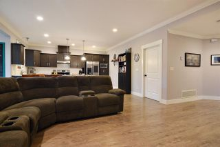 Photo 6: 33592 2ND Avenue in Mission: Mission BC 1/2 Duplex for sale : MLS®# R2431851