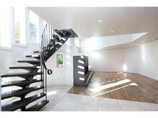 Photo 8: 74 Hopwood Drive in Winnipeg: Tuxedo Residential for sale (1E)  : MLS®# 1700022