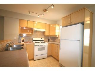 """Photo 5: 7 7100 LYNNWOOD Drive in Richmond: Granville Townhouse for sale in """"LAUREL WOOD"""" : MLS®# V891072"""