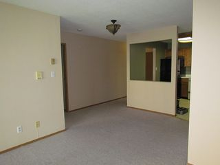 Photo 3: 103 33225 Old Yale Road in Abbotsford: Condo for rent