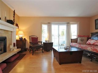 Photo 2: 4021 Hessington Pl in VICTORIA: SE Arbutus House for sale (Saanich East)  : MLS®# 693379