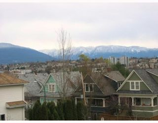 """Photo 4: 303 788 E 8TH Avenue in Vancouver: Mount Pleasant VE Condo for sale in """"CHELSEA COURT"""" (Vancouver East)  : MLS®# V743600"""